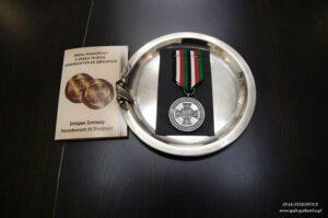 Medal pamiątkowy z okazji 75-lecia Narodowych Sił Zbrojnych